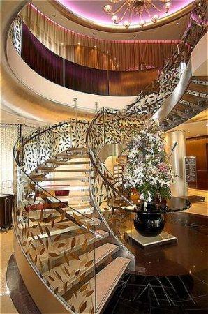 Crowne plaza hotel beirut booking com